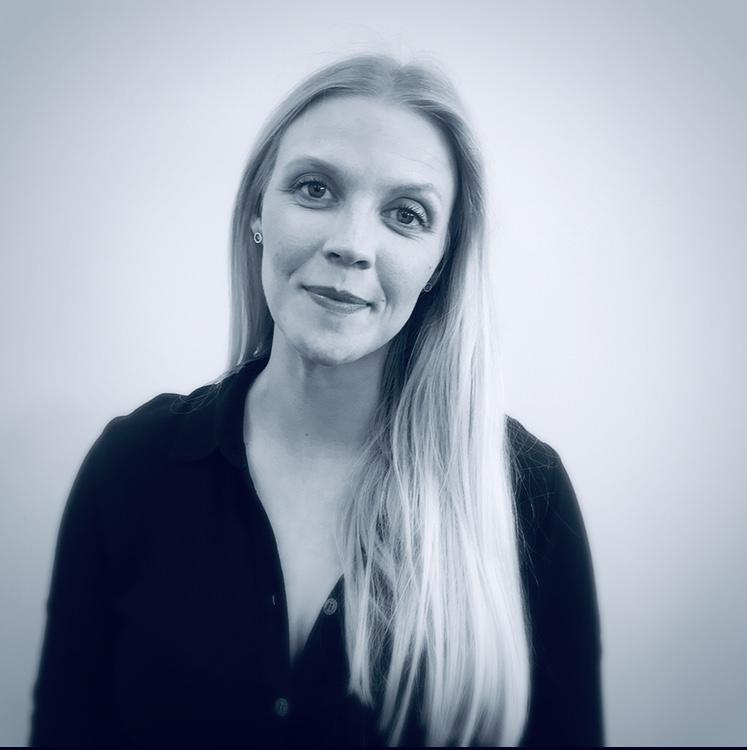Henriette Busk i sort/hvid